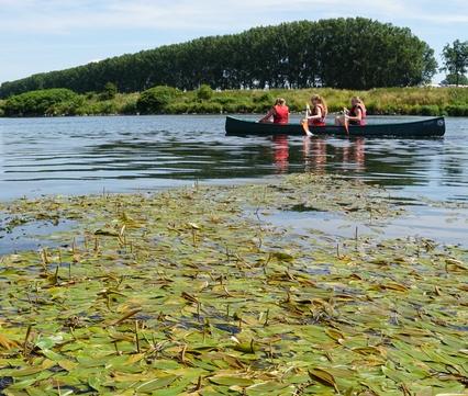 Canoeing in spectacular natural river scenery. Photo: Twan Teunissen