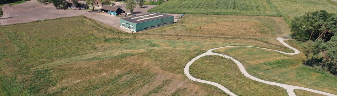 Het terrein van straalbedrijf Cuijpers na de sanering