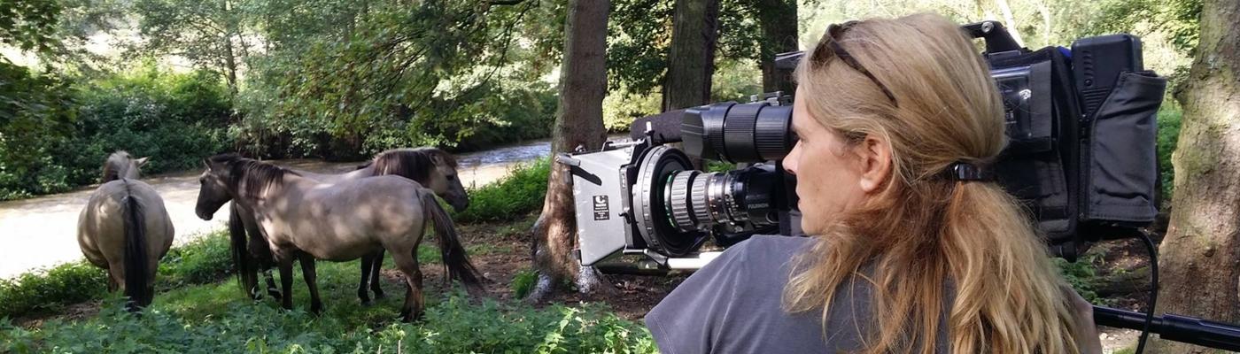Monique Moors filmt voor Dwaalfilm Geuldal