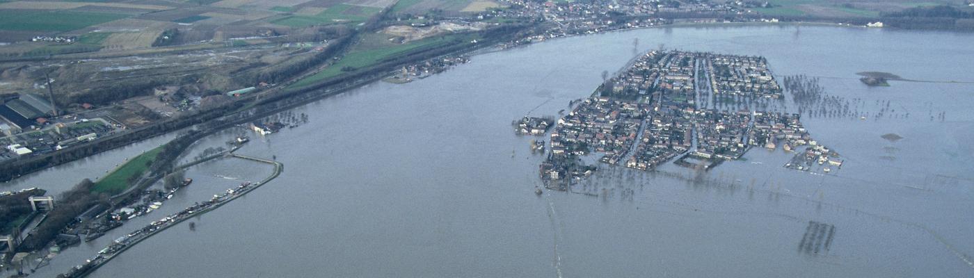 Maas Borgharen 1993 Beeldbank Rijkswaterstaat