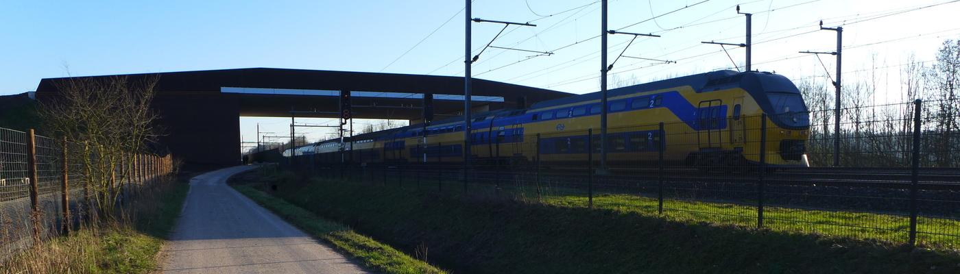 Natuurbrug over het spoor