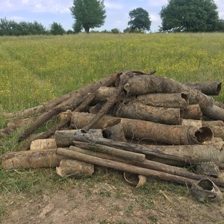 Drainagebuizen die uit de grond zijn gehaald (foto Imke Nabben/ARK)