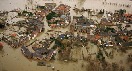 Hoogwater Itteren 1995 Foto Beeldbank Rijkswaterstaat Bart van Eyck