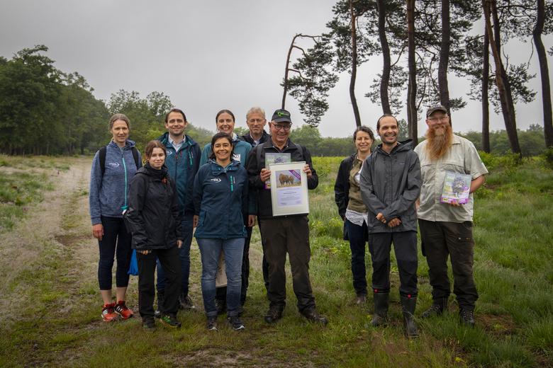 Overhandiging van officiële erkenning vanuit het European Rewilding Network voor rewilding initiatief Wisenten op de Veluwe. Foto: Nelleke de Weerd, Rewilding Europe