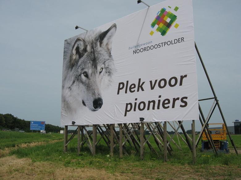 Billboard langs de snelweg A6 in de Noordoostpolder